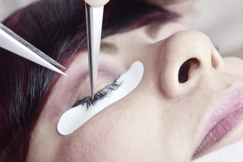 eyelash extensions professional procedure