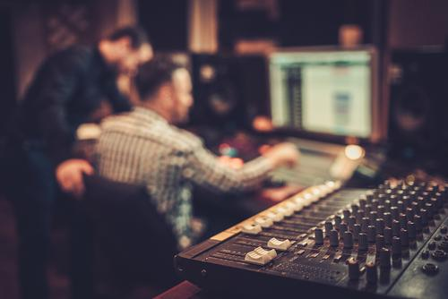 muziekproducer, muziekproducent, muziekgenre, compositie, conservatorium, componist, songwriter, sound design, producer, muzieklabel, platenlabel, muziekproductie, muziekstudio, groepslessen, thuisstudie, volwassenenonderwijs