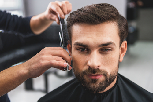 Coiffure hommes coupe styling